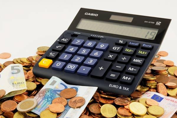 foto kalkulačka+peníze=ušetřit