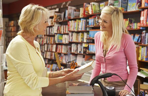 prodej knihy v knihkupectví